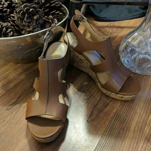 New Franco Sarto wedge tan heels shoes sz 9